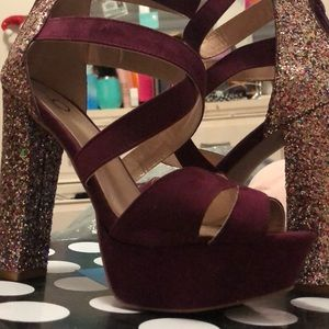 Beautiful glitter and burgundy shoes, New.